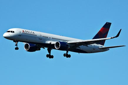 delta airlines offers flights from SFO to OAK